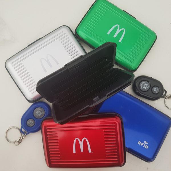 Etui RFID et télécommande bluethooth